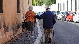 İtalyan vali, yaşlılar ile ilgili sözlerinden dolayı özür diledi
