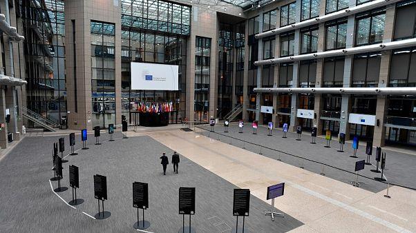 إجراءات الإغلاق في بروكسل  بسبب كورونا تحوّل الشوارع المزدحمة إلى مدينة أشباح