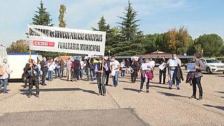 Protesta de empleados de la funeraria municipal de Madrid
