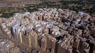Pluies et guerre, fléaux du patrimoine yéménite