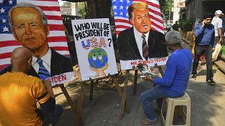 No Comment: In Mumbai entstehen Trump- und Biden-Gemälde
