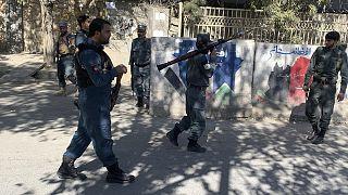 Afganistan'ın başkenti Kabil'de silahlı kişilerin Kabil Üniversitesi'ne saldırmasının ardından güvenlik güçleri saldırıya müdahale etti