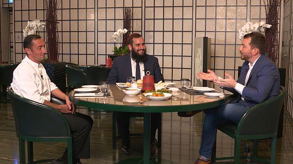 شاهد: أول مطعم كوشر يوافق تعاليم المطبخ اليهودي يفتح أبوابه في دبي