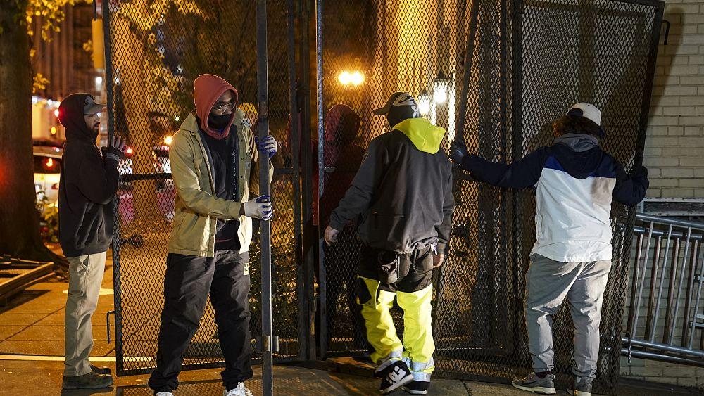 USA: aria di scontri post-elettorali, le città si blindano