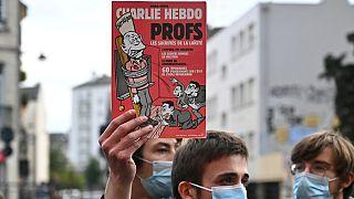 Charlie Hebdo dergisine Avrupa'daki bazı vatandaşlar destek olurken, İslam ülkelerinde büyük tepki vardı.