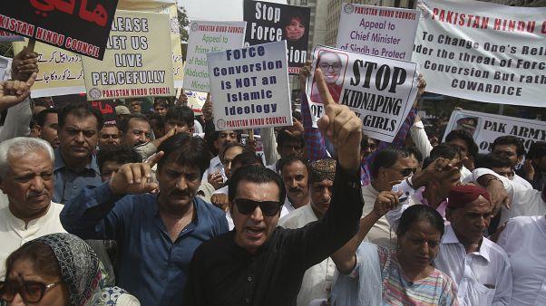 Tüntetés a kényszerházasságok és a gyermekrablás eltussolása ellen, Pakisztán, Karacsi