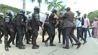 Ivory Coast police surround house of opposition leader