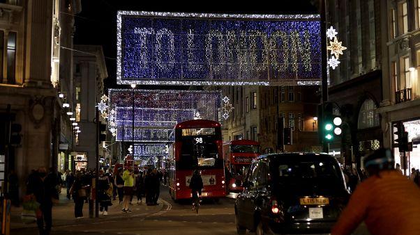Karácsonyi fényben az Oxford street