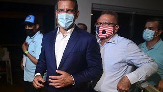 Pedro Pierluisi, candidato a gobernador por el Partido Nuevo Progresista (PNP), llega al Vivo Beach Club para celebrar una ajustada victoria.