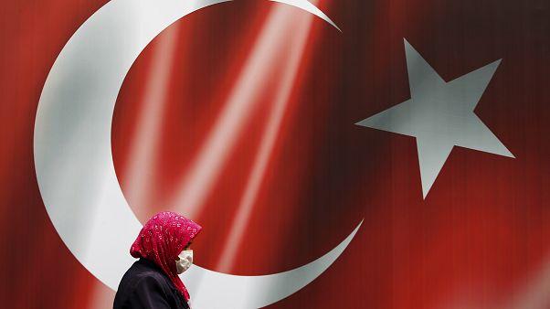 السعودية نيوز |      الآلاف يوقعون على عريضة لمقاطعة المنتجات التركية