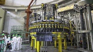Bielorrússia ativa primeira central nuclear