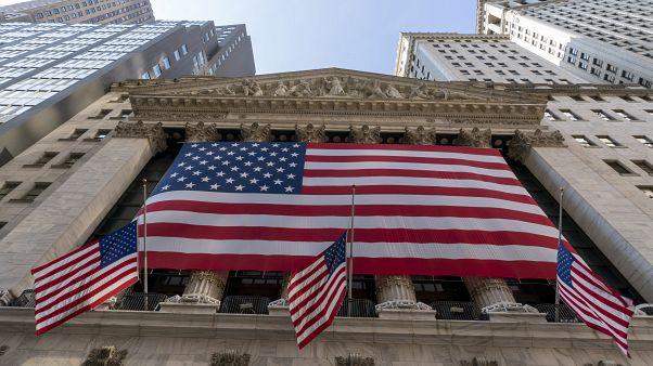 EUA: Wall Street abriu em alta apesar da incerteza política