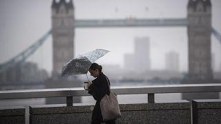 """С четверга Лондон и лондонцы """"накрыты"""" карантином, как в свое время смогом"""