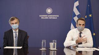 Yunanistan Başbakanı Kiryakos Miçotakis, Covid-19 salgınına karşı ülke genelinde karantina uygulaması açıkladı.