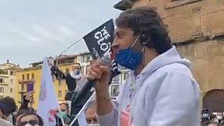 Naccari arringa la folla sul Ponte Vecchio