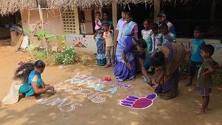 ABD'nin yeni Başkan Yardımcısı Harris'in atalarının Hindistan'daki köyünde kutlama