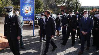 Макрон предлагает пересмотреть правила Шенгена