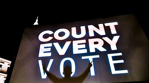 Amerikai elnökválasztás: Biden nyerhet, de még nincs végeredmény