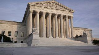 Нельзя исключать, что имя 46-го президента США назовет не коллегия выборщиков, а Верховный суд США