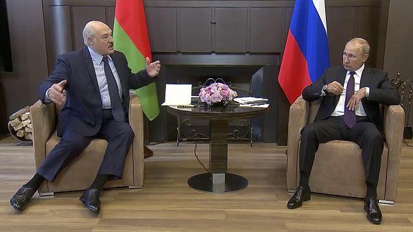 Alexander Lukaschenko und Wladimir Putin bei ihrem Treffen in der Schwarzmeermetropole Sotschi Mitte September