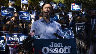 El demócrata Jon Ossoff es uno de los candidatos a obtener un puesto en el Senado