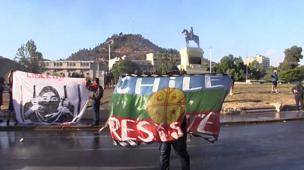 """La colère ne faiblit pas au Chili malgré le """"oui"""" au changement de Constitution"""