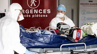 Французские врачи ожидают пика в середине ноября