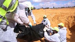 Libye : 17 corps exhumés de nouveaux charniers à Tarhouna