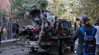 Saldırı sonrası Gazeteci Yama Siyaveş'in aracı