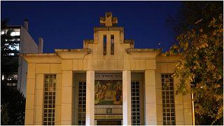 الكنيسة حيث وقع الاعتداء في ليون