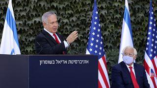 رئيس الوزراء الإسرائيلي بنيامين نتنياهو والسفير الأمريكي لدى إسرائيل ديفيد فريدمان