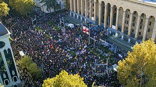 Tüntetés Tbilisziben
