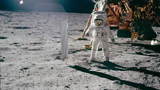Neil Amstrong'un Ay yüzeyinde astronot Buzz Aldrin'i çektiği kare (1969, NASA)