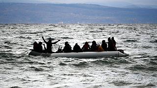 Βάρκα με πρόσφυγες