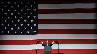 Joe Biden az elnökválasztási kampány hajrájában a Florida állambeli Lake Buena Vistában