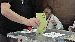 oy veren bir kişi