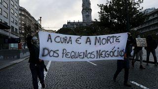 Empresários do Porto protestam contra as novas restrições sanitárias em Portugal