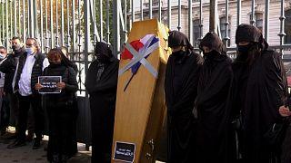 Γαλλία: «Η κηδεία» της εστίασης