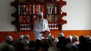 نماز جماعت در یکی از مساجد فرانسه