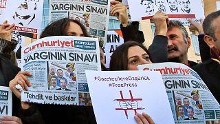 دیوان حقوق بشر اروپا ترکیه را به دلیل بازداشت خبرنگاران جمهوریت محکوم کرد