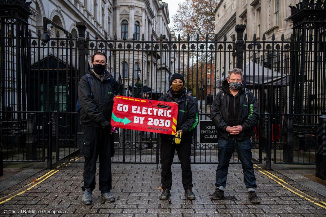 Chris J Ratcliffe / Greenpeace