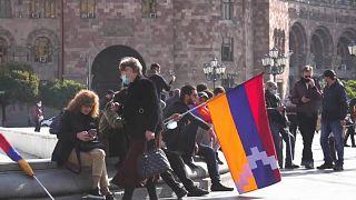 Arménios protestam contra acordo de cessar-fogo