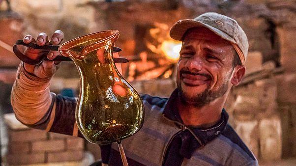حرف مدينة الأموات في القاهرة