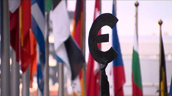 UE com orçamento de 1,8 biliões