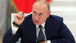 """Путин: """"Мы не намерены втягиваться в изматывающую """"гонку вооружений"""""""