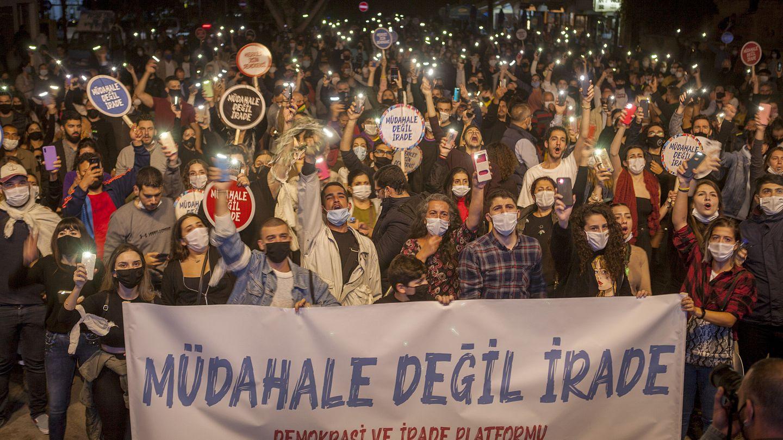 Cumhurbaşkanı Erdoğan'ın KKTC ziyareti öncesi Lefkoşa'da 'müdahale değil,  irade' yürüyüşü | Euronews