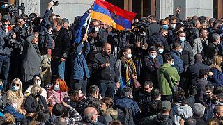 La oposición armenia exige a su primer ministro Nikol Pashinián que dimita