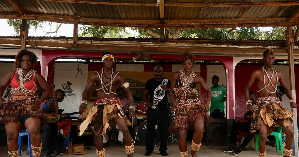Central African artists fight to keep traditional music alive