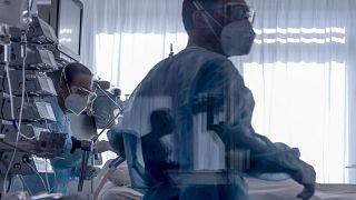 El imparable avance del coronavirus lleva a Europa a una situación crítica