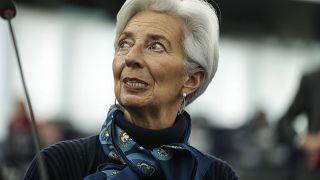 ΕΚΤ: Αυξάνει τις αγορές ομολόγων
